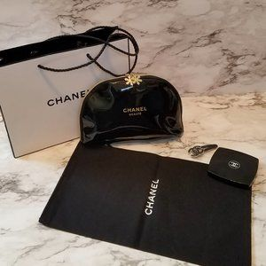 New CHANEL (L) Cosmetic Makeup Bag with Bonus